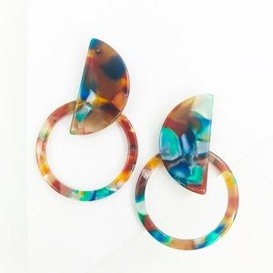 CLOSET REHAB Jewelry - Circle the Moon Stud Earrings in Orange and Blue